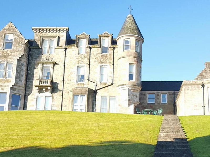 Self Catering Castle Holiday Accommodation in Scotland overlooking Loch Lomond