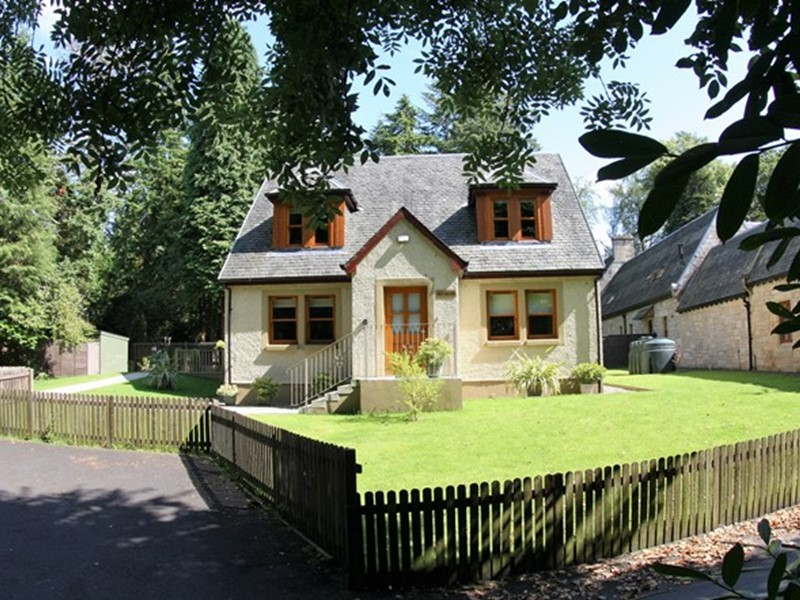 Self Catering Holiday Cottages in Loch Lomond, Scotland